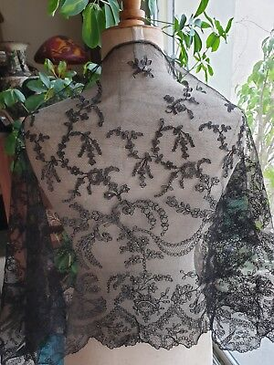 """Gorgeous French HANDMADE VICTORIAN CHANTILLY LACE STOLE 39"""" by 20"""""""