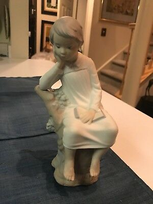 "RETIRED 8 3/8"" Lladro #4876 LITTLE BOY THINKING WITH BOOK FIGURINE Matte MINT!!"