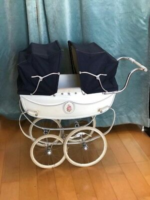 Vintage Silver Cross twin doll Pram