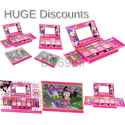 TOWNLEYGIRL TOWNLEY DISNEY Minnie Mouse Bowtique Cosmetics