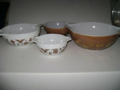 """Vintage Pyrex """"Early American""""set of 4 Nesting,Mixing Bowls"""
