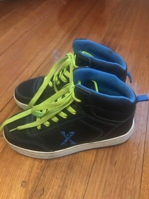 Sidewalk Sports Roller Shoe. Size 6. Excellent Like New Condition.