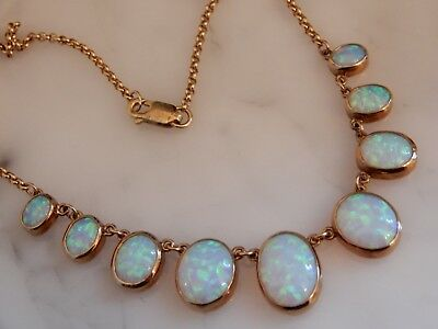An Exceptional 9 Ct Gold 30.00 Carat Graduated Opal Negligee Necklace