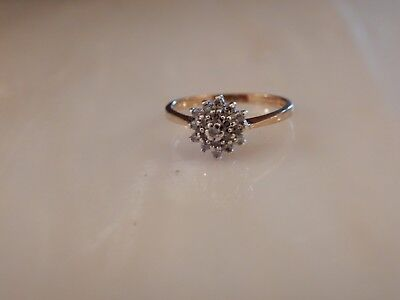 A Beautiful Vintage 9 Ct Gold Diamond Cluster Ring