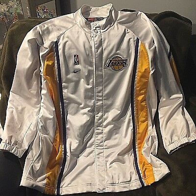 Kobe Bryant Game Worn used Full Home Lakers Warm-Up Suit W grey 89b5df005