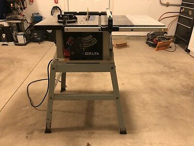 """DELTA SHOPMASTER 10"""" TABLE SAW MODEL TS220LS with ACCESSORIES-LOCAL PICKUP ONLY"""