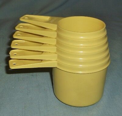 Vintage Tupperware Butter Yellow Light Gold 6 Piece Measuring Cup Set