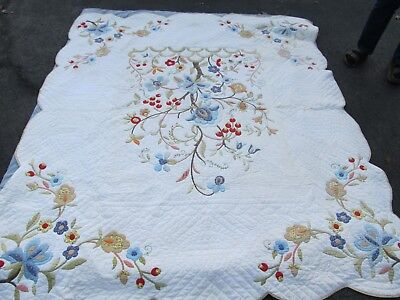 GORGEOUS Large Vintage New England APPLIQUE QUILT, Crafts, GIFT