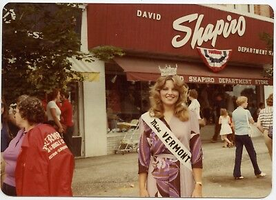 1982 Miss Vermont Shapiro Dept Store Pretty Lady Fashion Vintage Snapshot Photo