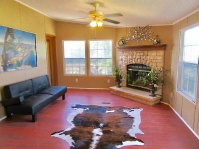 Gorgeous manufactured home on 3/4 of an acre in the Texas hill country!