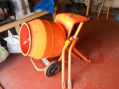 Belle Cement mixer, Honda engine