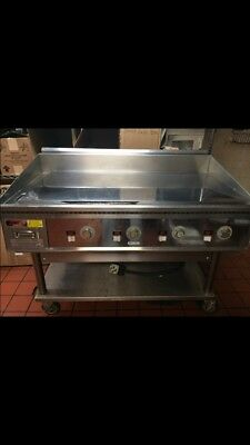 "Keating Miraclean 48""/30"" Electric Commercial Griddle Chrome Finish W/ Wheels"