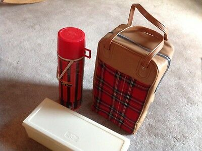 Vintage 1971 Thermos Lunch Box Thermos Kit