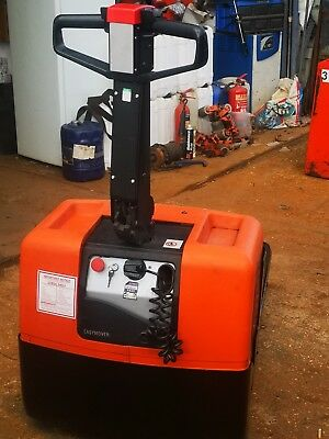 Electric pallet truck, Toyota