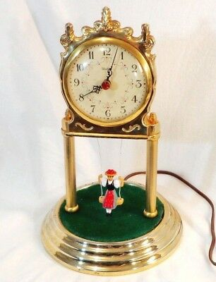 ONE OF A KIND UNITED SWINGING GIRL CLOCK ARCH MID-CENTURY VINTAGE 1950s-1960s