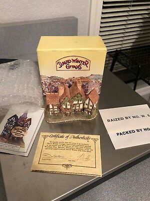 David Winter Cottages The Apothecary's Shop Miniatures MIB John Hine Britain