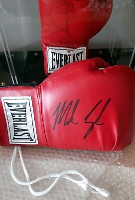 MIKE TYSON Signed Everlast Boxing Glove (RED) R/H