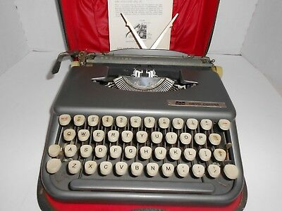 Smith Corona Manual Typewriter Skyriter 1960's