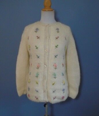 Vintage Cardigan Sweater Women's White & Floral Embroidery Italy Wool Mohair M