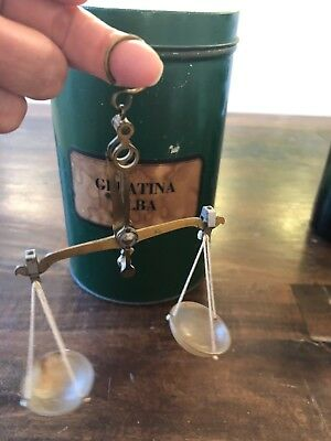 Antique Apothecary Hanging finger 5 g Scale Weight