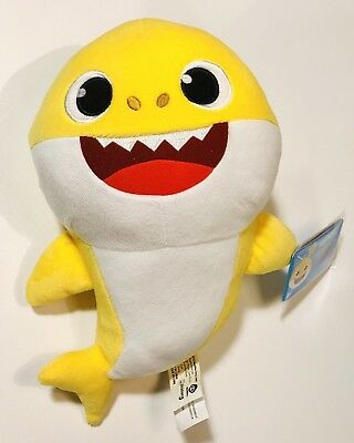 NEW Baby Shark Yellow Pinkfong Official English Singing Plush w/ Tags.
