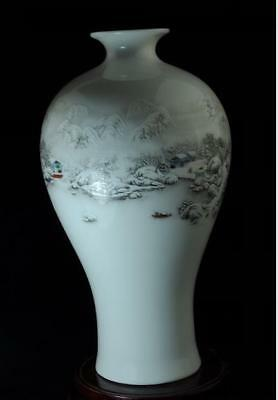 Chinese Old Hand-made Famille Rose Porcelain Hand Painted Snow Scene Vase C01
