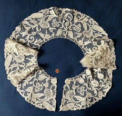 Large round Victorian Italian Burano needle lace berthe  COSTUME COLLECT