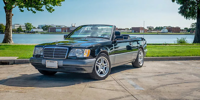 1995 Mercedes-Benz E-Class Black w/Gray Trim 1995 Mercedes Benz E320 Convert 71k mi Books and Records Original Well Serviced