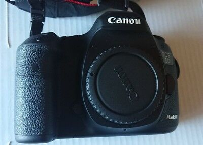 Canon EOS 5D Mark III Digital Camera Body Only, Extra Battery, 64gb Memory Card