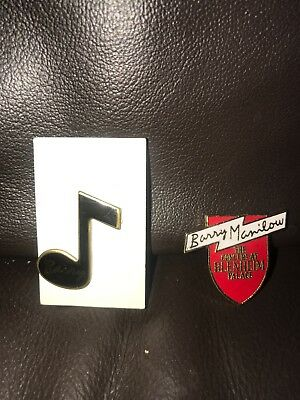 Barry Manilow Badges