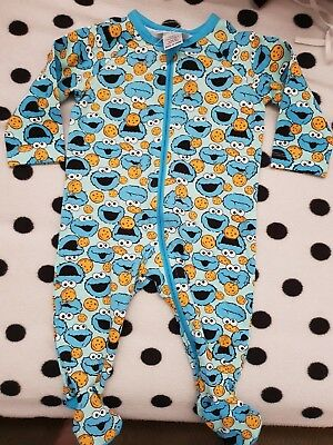 Boys new COOKIE MONSTER sleepsuit size 00
