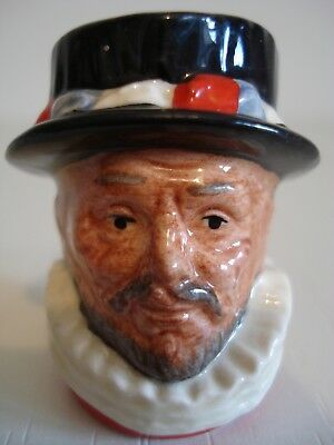 "Royal Doulton Character Jug ""beefeater"" D6806 Collector Club Miniature"