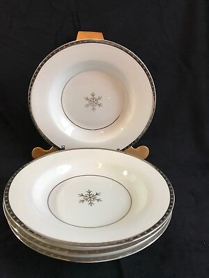 (4) Target Holiday 09 FIRST FROST Wide Rim Coupe Soup Bowls Snowflake Pattern