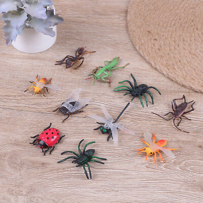 10 Assorted figure realistic bugs plastic insects kisd party bag filler toy G0HW