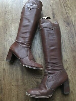 Dolcis 1960's 1970's Brown Leather Knee-high BOOTS. Vintage Retro. Fabulous!