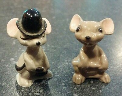 Hagen Renaker, Mama Mouse & City Mouse Holding Tail, Miniature Ceramic Figurines
