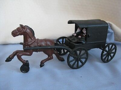 Vintage Cast Iron Metal Amish family Horse drawn carriage Buggy Wagon Toy