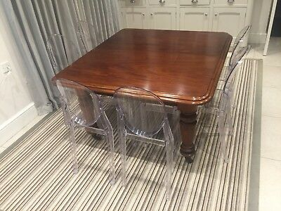 Antique Victorian Mahogany Dining Table 125x135x73cm Seats 8. A Beautiful piece
