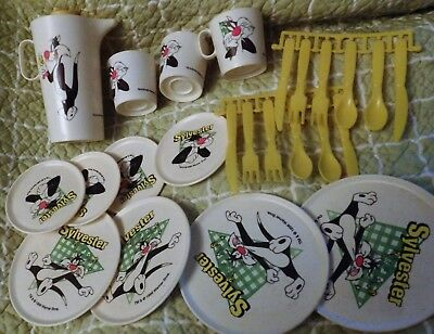 Vintage 1996 Sylvester the Cat Looney Tunes Plastic Toy Dishes Set
