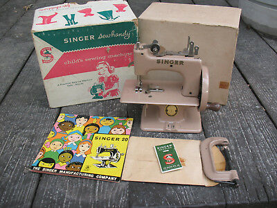 Collectible SINGER Model No. 20 Sewhandy Child's Sewing Machine Box & clamp book