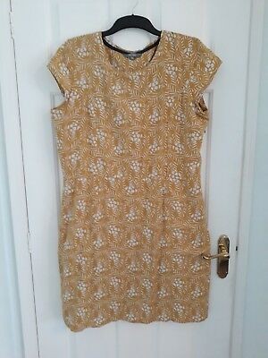 A new Lily & Me size 18 yellow with white folliage dress
