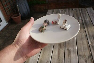 4 Mixed Ceramic Figurines,Detailed Mini Ornaments, Owl, Chicken, Frog, Hedgehog