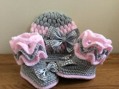 17449955317ab NEW HAND KNITTED Romany Bling baby girl booties/crochet hat 0-3 months