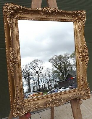 Antique Style Gilt-Framed Wall Mirror in a Vintage Frame (45cm x 40cm)