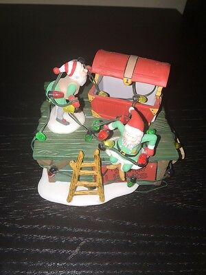 """Dept 56 Heritage Village Collection """"Untangle the Christmas Lights"""" w box"""