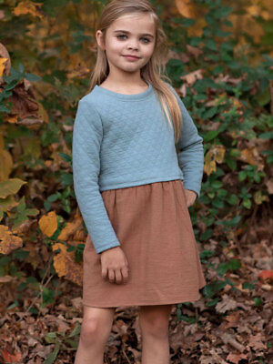 NWT Sleeveless Girls Dress Chest with Blue Quilted Top 2 Piece Set