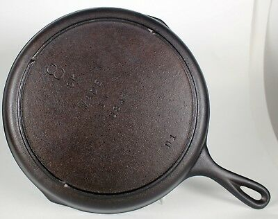 Lodge Skillet No.8 eight notch heat ring cast iron old American cookware SK