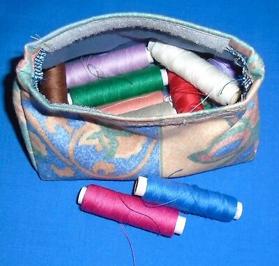 Thread Pouch/purse.   Keep Your Cottons Clean.  Lined.  Hook & Loop Fastening,