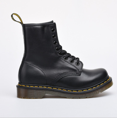 2019 Classic Dr. Martens Airwair 1460 8-Eye Schwarz Smooth  Boots Unisex
