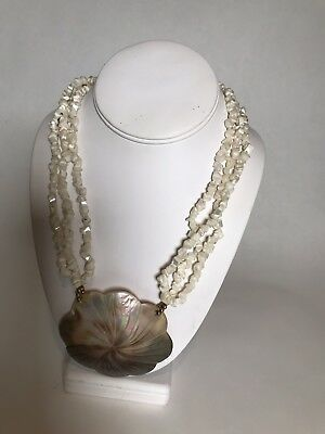 Fashion Natural Mother of pearl Abalone Carved Shell Flower Pendant Necklace
